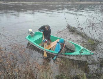 Sprzątanie brzegów Narwi
